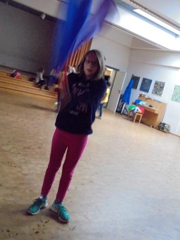 Amelie mit Flaggen