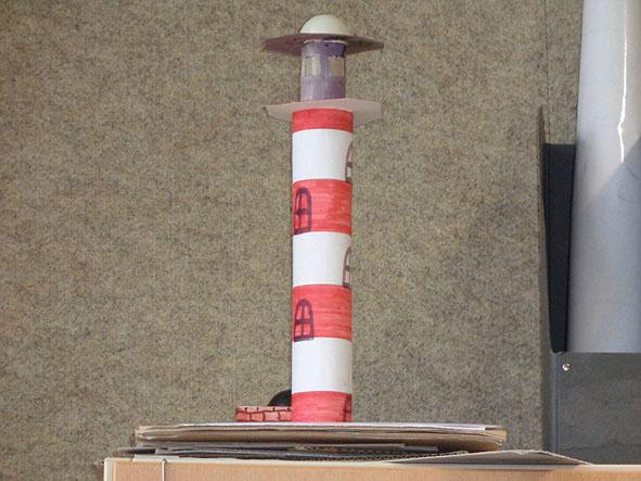 4C baut einen Leuchtturm | Schülerexpress Online